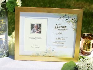Botanical Themed Memorial Photo Frame with Sympathy Verse